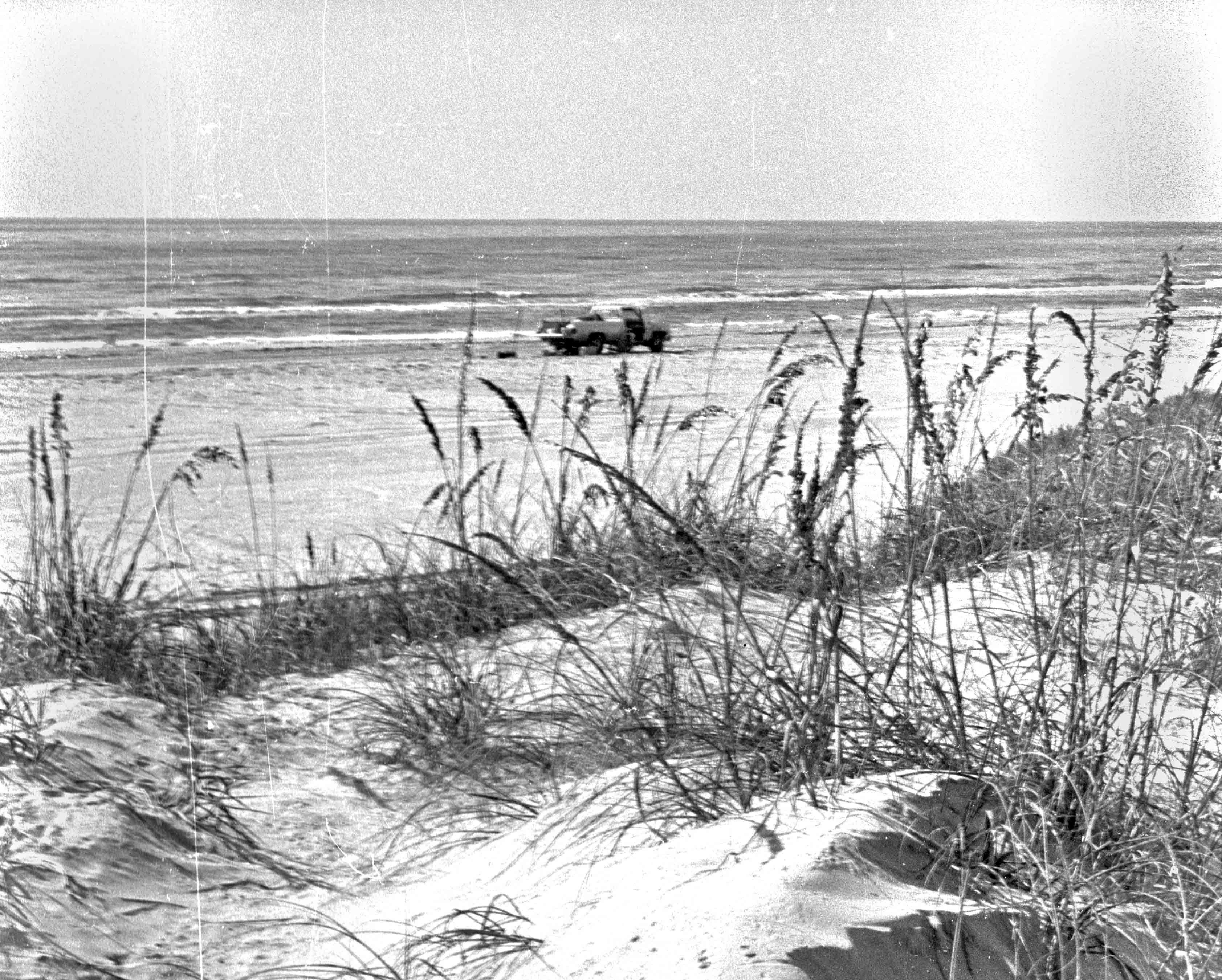 pins-7-miles-past-4x4-1984-dune-view